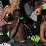 Balotelli-champagne-e-fumo_01_emb8