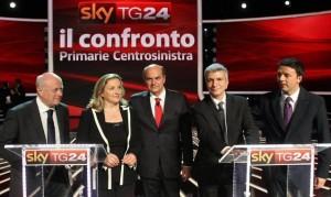11:00. Renzi va a votare nella sede del Pd a Firenze.  11:05. Bersani va a votare nel Bar Fanfulla, ma gli dicono che lì seggi delle primarie non ce ne sono e, mossi a compassione, gli offrono un bianchetto.